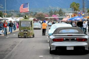 Customikes made the Daily Bulletin with the Horsetown USA Defender Vehicle =D