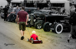 dad, kid, son, radio flyer, wagon, slammed, show, mexican blanket, relationship, parenting, positive, influence, car show,