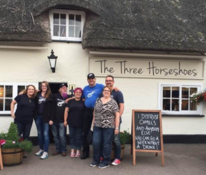 Laura Wallin, Kat Wallin, Duncan Burton, Mandy Burton, Me (K. Mikael Wallin), Mary Ann Koch and finally Thorsten Koch, The three horseshoes, hinxworth, UK, customikes, dream Team,